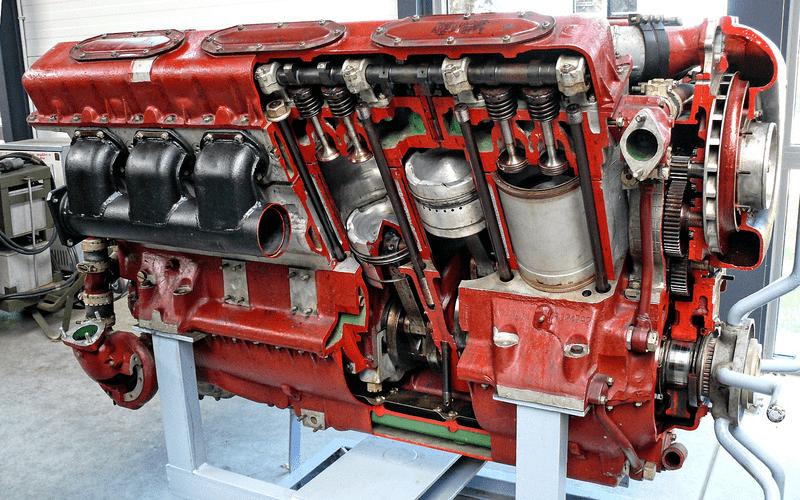 90-летние Двигатели Все Еще Ставят на Российские Танки